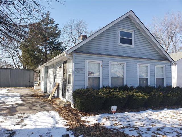 7010 Indiana Avenue, Kansas City, MO 64131 (#2150551) :: House of Couse Group