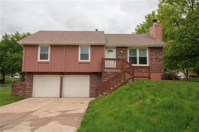 7616 N Congress Avenue, Kansas City, MO 64152 (#2150579) :: House of Couse Group