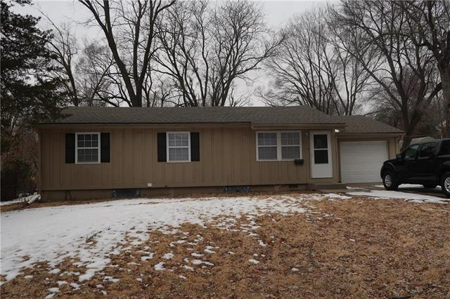 6106 N Tracy Avenue, Gladstone, MO 64118 (#2150580) :: The Shannon Lyon Group - ReeceNichols