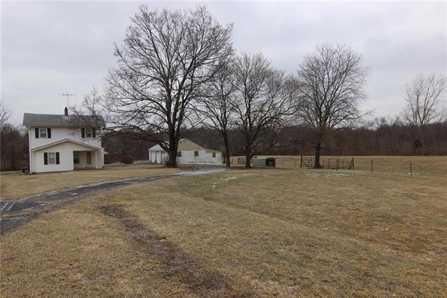 9725 W 47th Street, Merriam, KS 66203 (#2150646) :: House of Couse Group