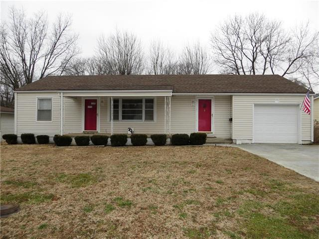 706 N Delaware Street, Butler, MO 64730 (#2150914) :: No Borders Real Estate