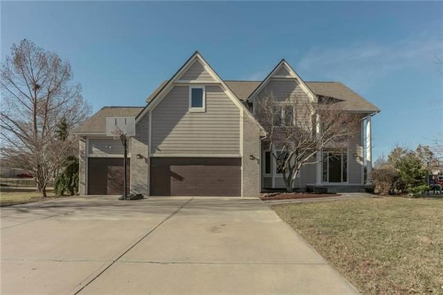 4316 SW Gull Point Drive, Lee's Summit, MO 64082 (#2151050) :: House of Couse Group