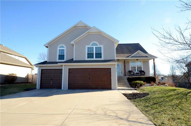 823 Trailway Drive, Raymore, MO 64083 (#2151256) :: Edie Waters Network