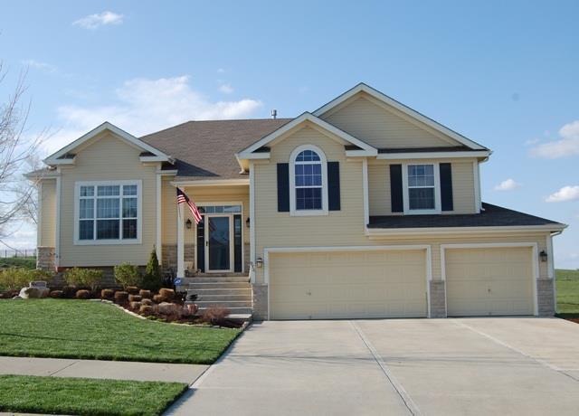 976 Ridge Drive, Lansing, KS 66043 (#2151314) :: Edie Waters Network
