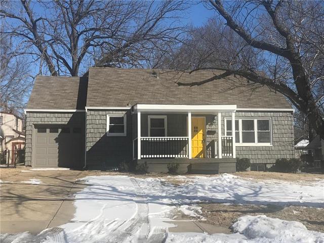 5416 W 50th Street, Roeland Park, KS 66205 (#2151391) :: House of Couse Group