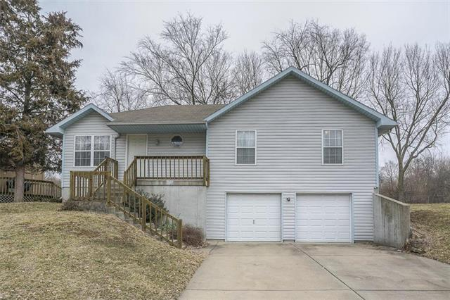 5103 Hedges Avenue, Kansas City, MO 64133 (#2151419) :: House of Couse Group