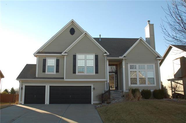 11515 S Monroe Street, Olathe, KS 66061 (#2151624) :: House of Couse Group