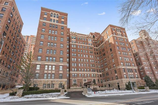229 Ward  Parkway #503-B N/A, Kansas City, MO 64112 (#2151635) :: Eric Craig Real Estate Team