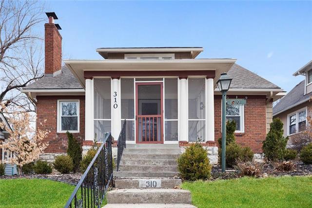 310 E 70th Street, Kansas City, MO 64113 (#2151680) :: No Borders Real Estate
