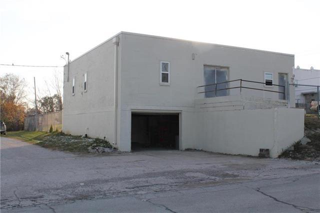 106 NW 12th Street, Blue Springs, MO 64015 (#2151799) :: No Borders Real Estate