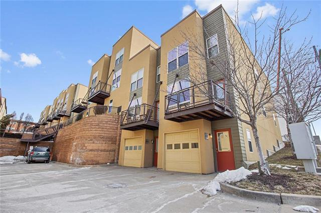 4585 Madison Avenue, Kansas City, MO 64111 (#2151800) :: House of Couse Group
