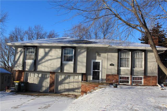 10708 NW 59th Street, Parkville, MO 64152 (#2151875) :: Edie Waters Network