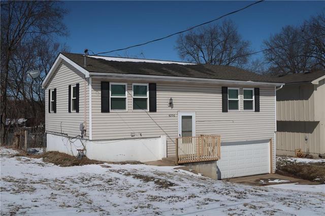 4206 NE 46th Street, Kansas City, MO 64117 (#2151884) :: House of Couse Group