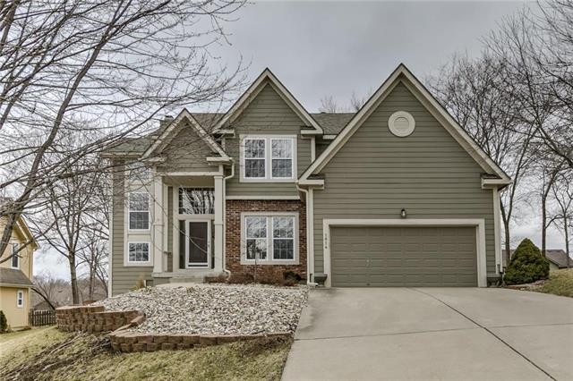 1814 NW 56th Court, Kansas City, MO 64151 (#2152014) :: The Gunselman Team