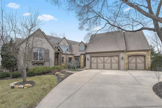11414 Granada Court, Leawood, KS 66211 (#2152018) :: House of Couse Group