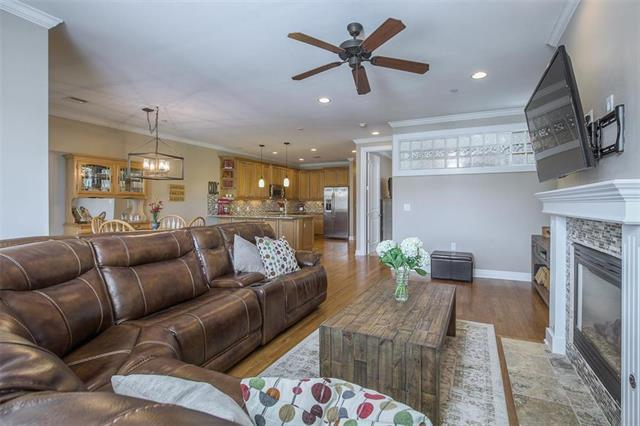 10511 Mission Road 203A, Leawood, KS 66206 (#2152211) :: No Borders Real Estate