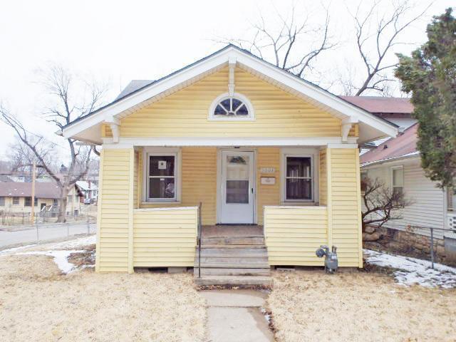 5601 Garfield Avenue, Kansas City, MO 64130 (#2152284) :: Edie Waters Network