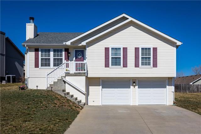10610 N Booth Avenue, Kansas City, MO 64157 (#2152418) :: Dani Beyer Real Estate