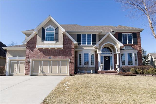 13208 Windsor Street, Leawood, KS 66209 (#2152424) :: No Borders Real Estate