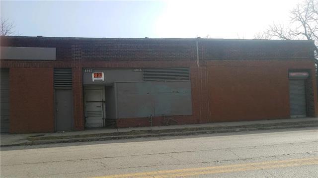 4915 E 24th Street, Kansas City, MO 64127 (#2152473) :: The Shannon Lyon Group - ReeceNichols