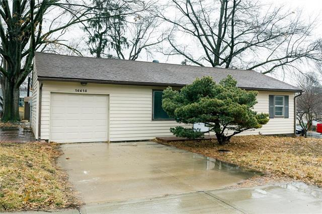 16618 E Salisbury Road, Independence, MO 64056 (#2152616) :: Edie Waters Network
