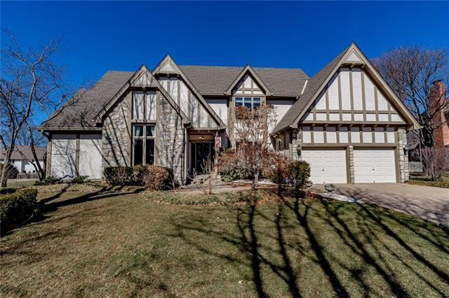 10806 W 124th Street, Overland Park, KS 66213 (#2152647) :: House of Couse Group