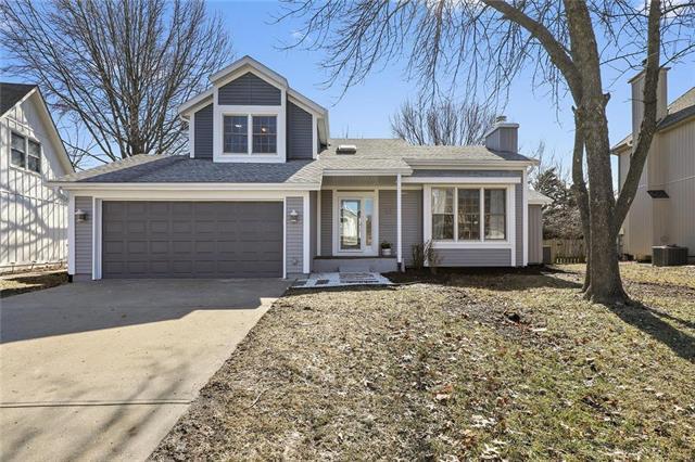 2116 S Lennox Drive, Olathe, KS 66062 (#2152683) :: Eric Craig Real Estate Team