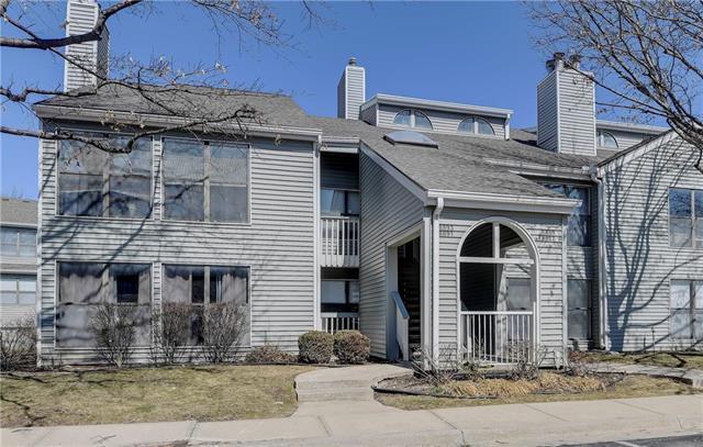 8893 W 106th Terrace, Overland Park, KS 66212 (#2152726) :: No Borders Real Estate