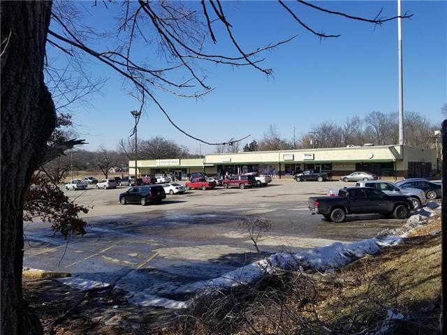 4400 E 39th Street, Kansas City, MO 64128 (#2152756) :: The Shannon Lyon Group - ReeceNichols