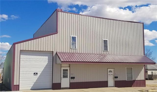 526 S Oak Street, Garnett, KS 66032 (#2152794) :: Edie Waters Network