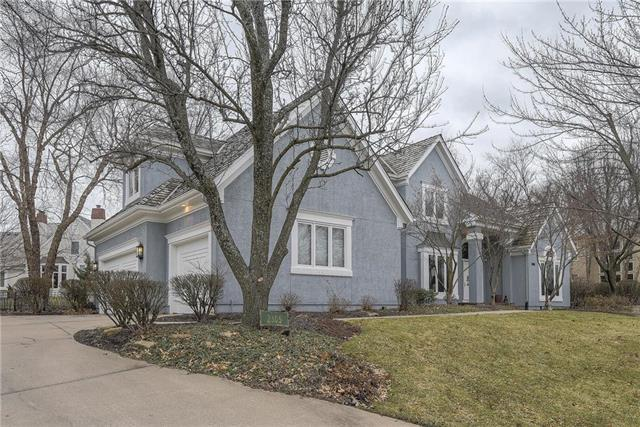 2305 W 118th Street, Leawood, KS 66211 (#2152803) :: House of Couse Group