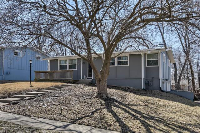 6923 NW 78th Street, Kansas City, MO 64152 (#2152830) :: House of Couse Group