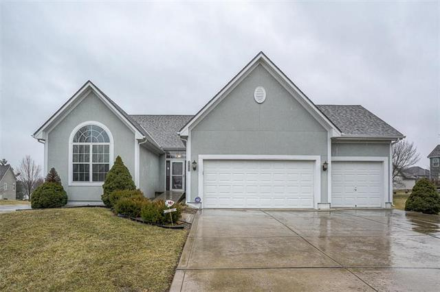 2441 SW Lilly Drive, Lee's Summit, MO 64081 (#2152839) :: Eric Craig Real Estate Team