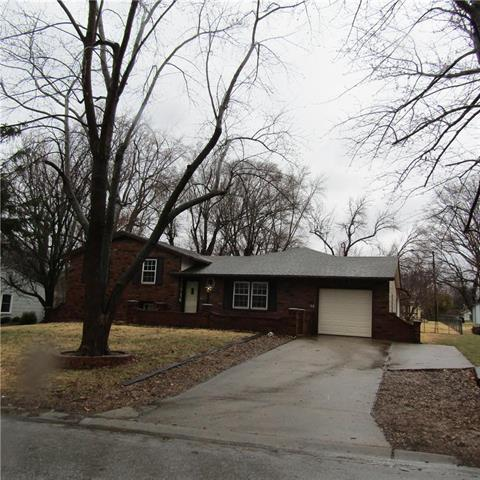 11914 W 69th Street, Shawnee, KS 66216 (#2152873) :: Edie Waters Network