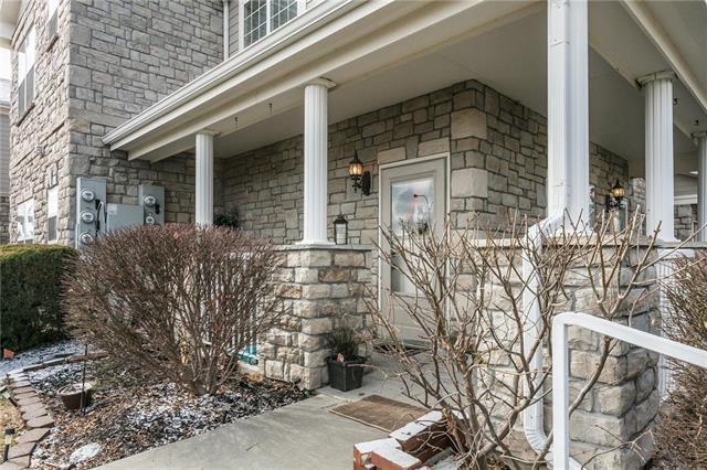 11711 S Roundtree Street #202, Olathe, KS 66061 (#2152879) :: Eric Craig Real Estate Team