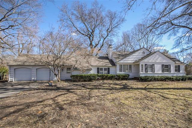 6801 Reeds Road, Overland Park, KS 66204 (#2152914) :: House of Couse Group