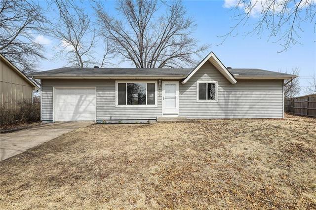 315 N 82nd Terrace, Kansas City, KS 66112 (#2153014) :: Edie Waters Network