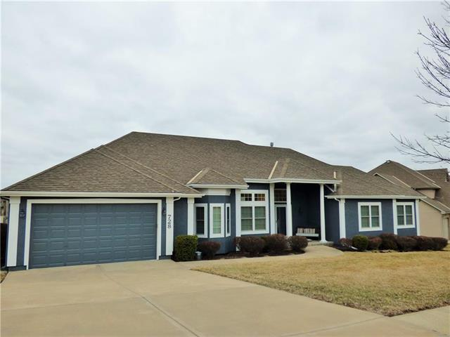 728 SW Winterstar Drive, Lee's Summit, MO 64081 (#2153016) :: House of Couse Group