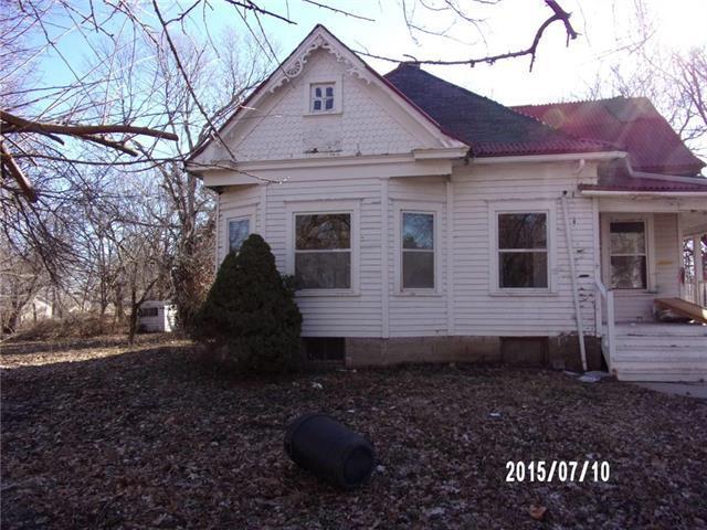 515 N Main Street, Corder, MO 64021 (#2153118) :: Edie Waters Network