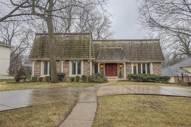 12610 Overbrook Road, Leawood, KS 66209 (#2153119) :: Eric Craig Real Estate Team