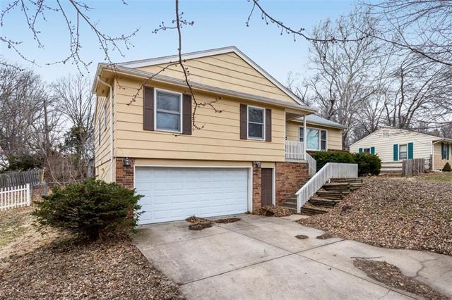 4820 Northern Avenue, Kansas City, MO 64133 (#2153158) :: House of Couse Group