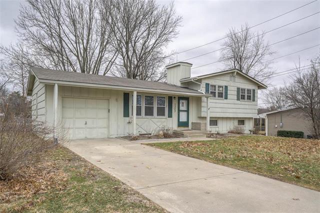 7303 NW Winter Avenue, Kansas City, MO 64152 (#2153162) :: Edie Waters Network