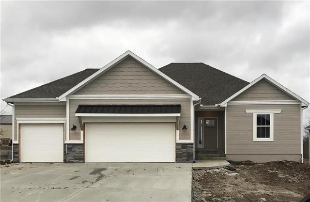 514 NW Bailey Drive, Grain Valley, MO 64029 (#2153211) :: House of Couse Group
