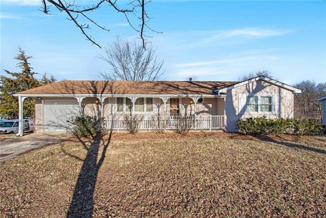 3311 N 85th Place, Kansas City, KS 66109 (#2153225) :: Edie Waters Network