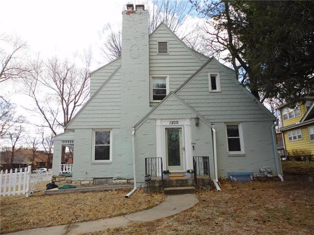 1200 N 22nd Street, Kansas City, KS 66102 (#2153256) :: Edie Waters Network