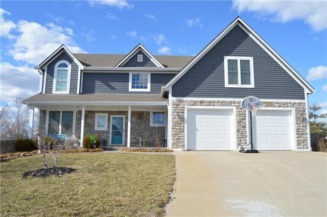 20934 Cottonwood Circle, Spring Hill, KS 66083 (#2153368) :: The Gunselman Team