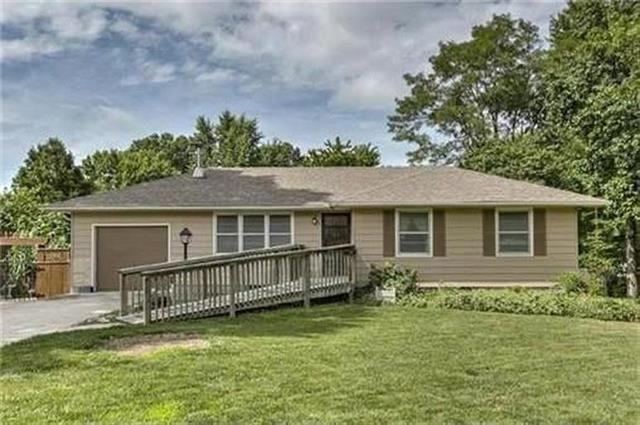 602 SE 4th Terrace, Lee's Summit, MO 64063 (#2153482) :: Kansas City Homes