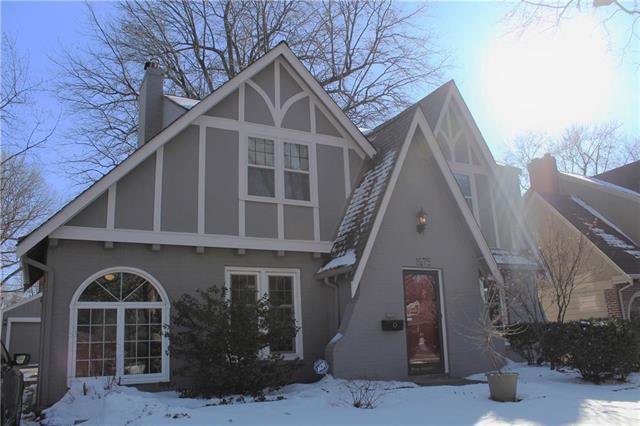 1275 W Gregory Boulevard, Kansas City, MO 64114 (#2153513) :: Edie Waters Network