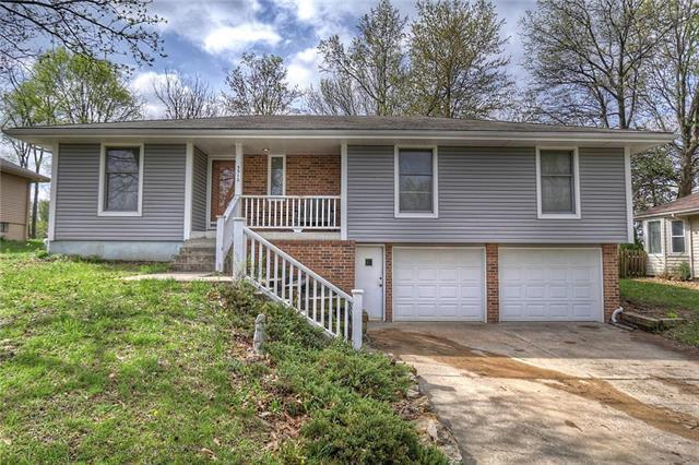 3310 NW Shannon Court, Blue Springs, MO 64015 (#2153602) :: No Borders Real Estate