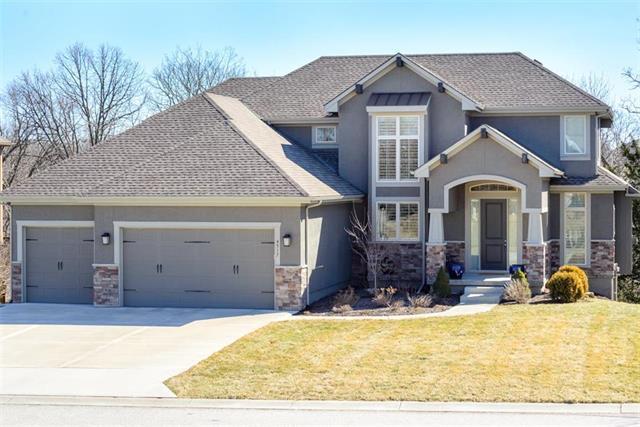 4517 NE Hideaway Hill Circle, Lee's Summit, MO 64064 (#2153605) :: Kansas City Homes